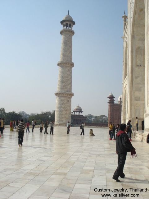 minarets of the taj mahal